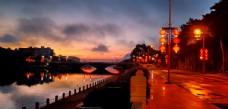 滨河堤影晨曦