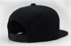 帽子样机侧后方贴图