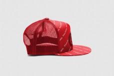 红色帽子侧面样机模板
